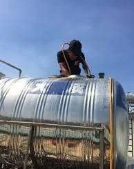 Thợ vệ sinh bồn nước bể nước ngầm giá rẻ tại TPHCM