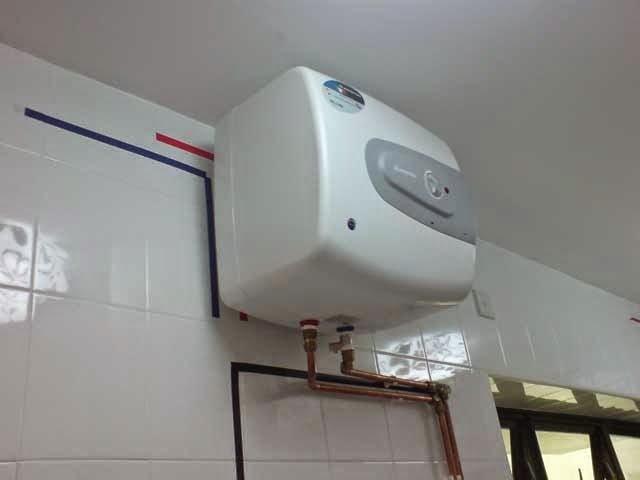 Sửa bình nóng lạnh bị mất điện không lên nguồn