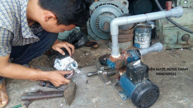 Thợ sửa máy bơm nước tại nhà Bình Dương